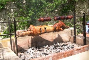 Greek_Easter_Travelling-rost-lamb