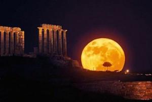 Σε 116 αρχαιολογικούς χώρους, μνημεία και μουσεία οι εκδηλώσεις του Υπουργείου Πολιτισμού και Αθλητισμού με ελεύθερη είσοδο για την Πανσέληνο του Αυγούστου